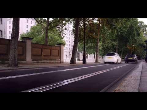 Гонки по Лондону на электрокарах Renault ZOE