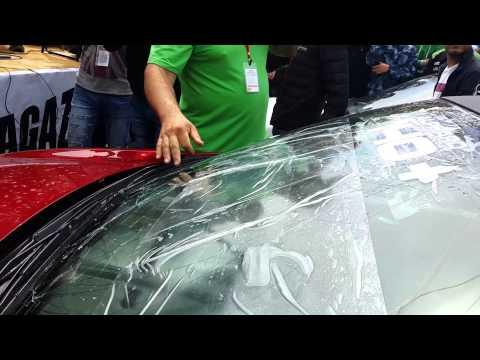 Ломаем лобовое стекло на замере автозвука (Рено Меган 2)