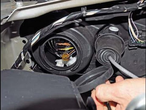 Замена лампы ближнего света на Renault Duster